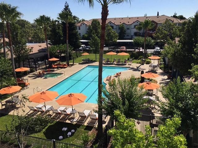 Pool_area1-1024x768
