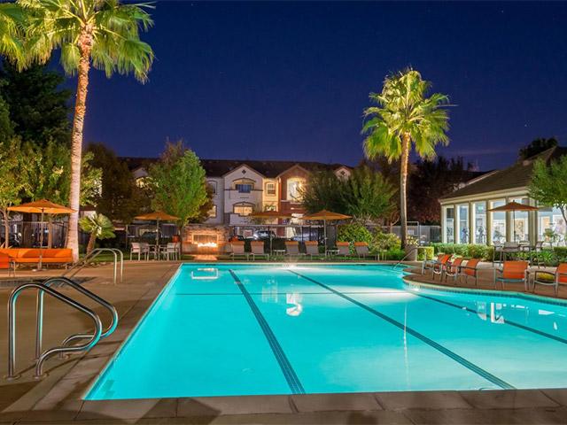 Pool_area3-1024x723
